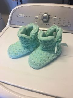 Girls slippers size 12/13