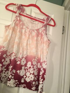 Sonoma Sz Large. summery tank pretty colors. Great shape. Wrinkled from storage bin