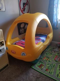 Step 2 Toddler Car bed! MUST GO TODAY! FIRST COME!