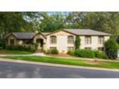 $364900 Four BR 4.00 BA, Hoover