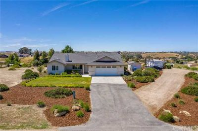 5696 Reindeer Place PASO ROBLES Three BR, Prime 2 acre view