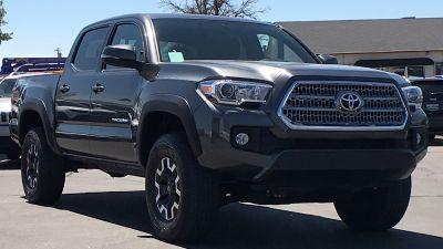 2016 Toyota Tacoma (silver)