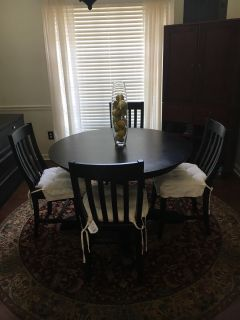 Pottery Barn Pedestal Table and 4 Chairs