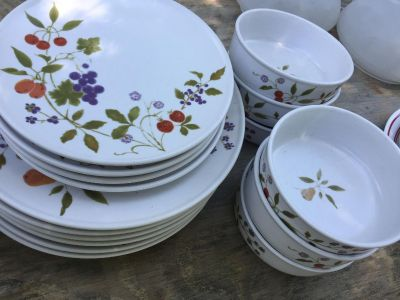 Noritake dishes - Berries N Such pattern - 6 dinner plates, 4 salad plates, and 6 bowls