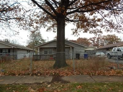 4 Bed 1.0 Bath Preforeclosure Property in Cleveland, OH 44135 - Fairville Ave