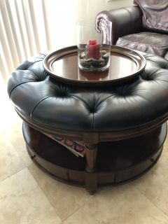 Round Leather top Tufted table