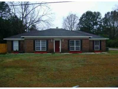 3 Bed 2 Bath Foreclosure Property in Mobile, AL 36618 - Rose Ching Dr