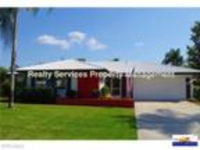 ANNUAL UNFURNISHED Two BR/Two BA Home for Rent in Fort Myers!