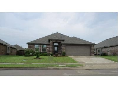 4 Bed 2 Bath Preforeclosure Property in Rockwall, TX 75087 - W Fate Main Pl