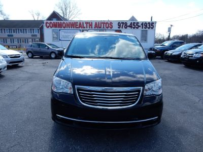 2012 Chrysler Town & Country Touring (True Blue Pearl)