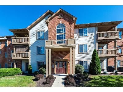 2 Bed 2 Bath Foreclosure Property in Indianapolis, IN 46227 - Hunters Creek Dr Apt 101