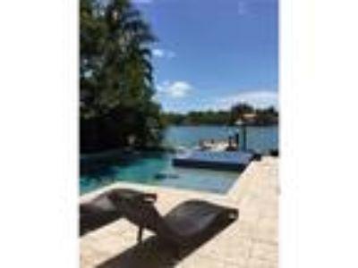 Residential Rental : , Miami Beach, US RAH: A10178990
