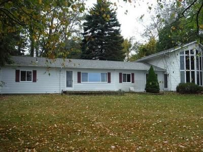3 Bed 2 Bath Foreclosure Property in Deckerville, MI 48427 - Lakeshore Rd