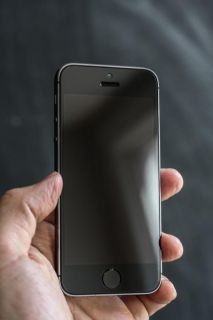 $420, Telus iPhone 5S 16GB in Very Good condition GUARANTEED