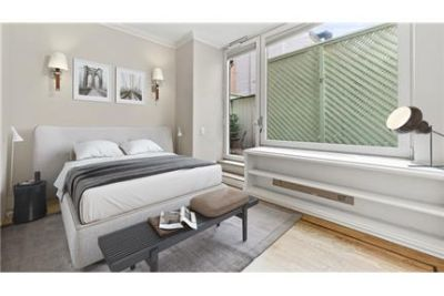 2 bedrooms Condo - Perfectly situated on Madison and 85th.