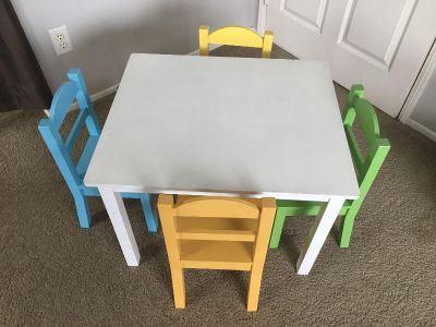 Toddler wood table