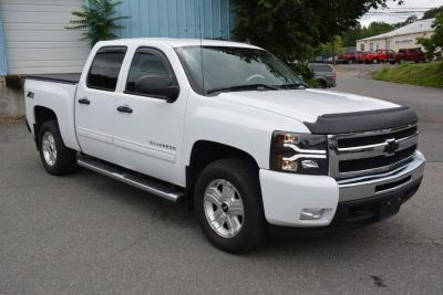 2011 Chevrolet Silverado 1500 LT (Summit White)