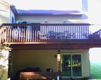 2br, Canal Fulton Vacation Rental