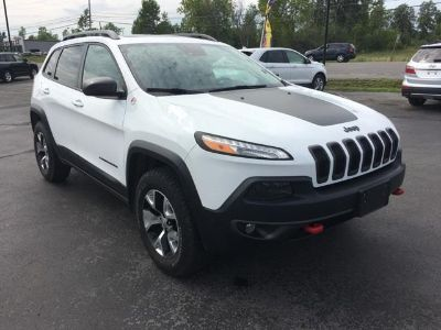 2016 Jeep Cherokee Trailhawk (Bright White Clearcoat)