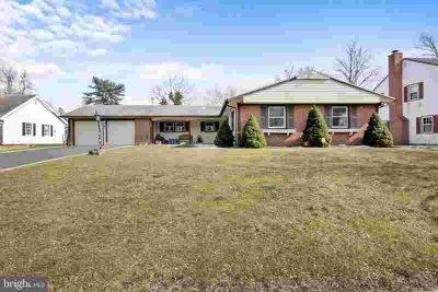 122 Club House Dr Willingboro Four BR, The Golf Course View and