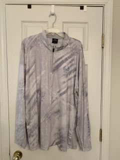 Realtree By Colosseum Long Sleeve Breathable Fishing Shirt-NWOT
