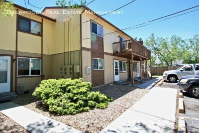 2BR Apt: Stacking Washer & Dryer, Expansive Fenced Yard, & Tenant Parking Lot