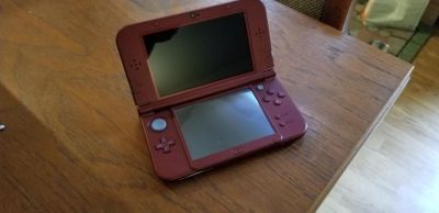 New 3DSXL and 7 games and charger