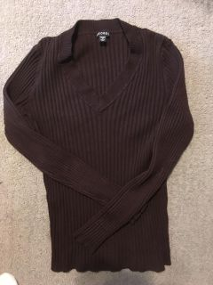 Woman s light weight EUC sweater, no signs of wear/ wash wear. Says size 2x 20, but fits 2/14 or 16 best. Seems small. $3