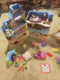 Fisher Price dollhouse lot