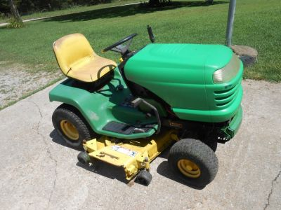 LX 176 John Deere riding mower