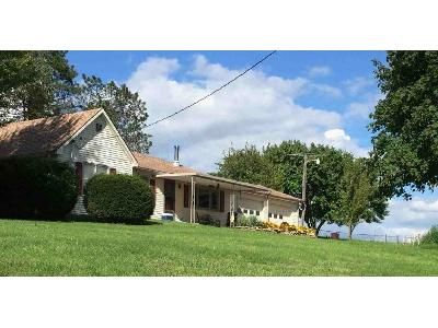 3 Bed 1 Bath Foreclosure Property in Agency, MO 64401 - State Route E SE
