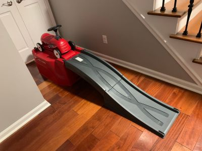 Radio Flyer, Flyer 500 Ride-On with Ramp and Car