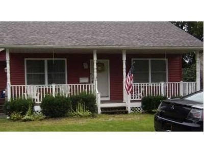 2 Bed 1 Bath Foreclosure Property in Glens Falls, NY 12801 - Peck Ave