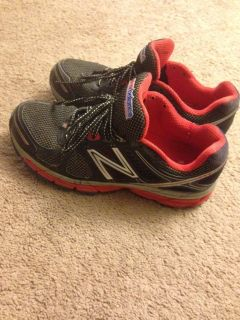 New Balance water resistant Cross Training Shoes Men's size 10.5
