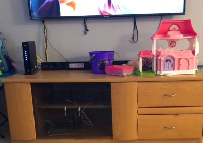 Tv stand today 50$