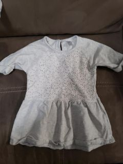 Cute Carter's Top Size 4T. Excellent Condition