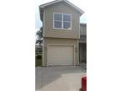 Townhouse/Condo in Junction City