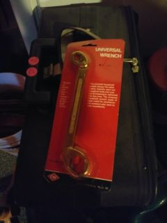 Universal Wrenches
