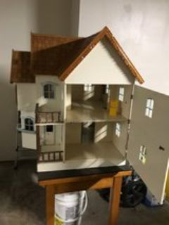 Deluxe Doll House