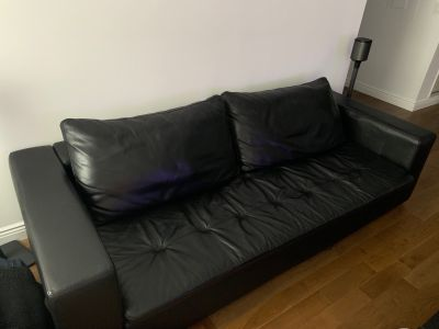 Mezzo Black Leather Sofa