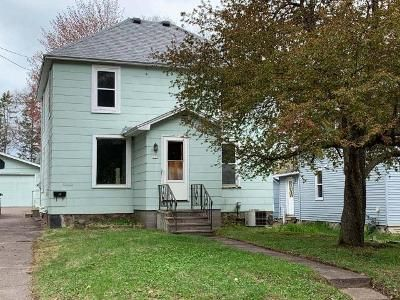 4 Bed 2 Bath Foreclosure Property in Rhinelander, WI 54501 - Maple St