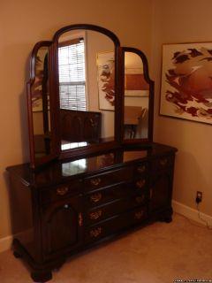 Ethan Allen Bedroom Dresser & Tri