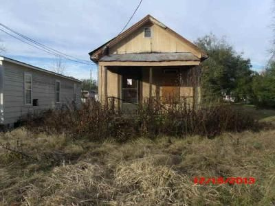 4 Bed 2 Bath Foreclosure Property in Moultrie, GA 31768 - 314 & 318 4th Ave NW
