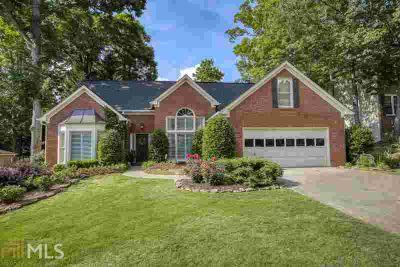 190 Croftwood Ct Duluth Four BR, Beautiful Brick-Front Ranch