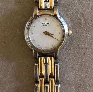 SEIKO WATCH MOTHER OF PEARL FACE GOLD/SILVER BAND