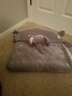 Elephant blanket and pillow