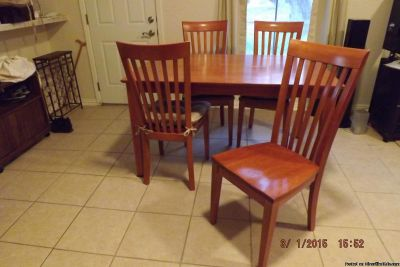 Table w 6 chairs: Wood