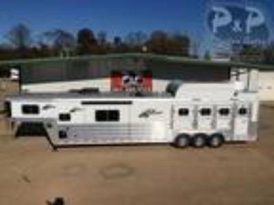 2019 Platinum Coach Trailers 8415RLOL 4 horses
