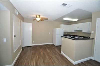 2-Bedroom, 2-Bathroom! Pet Friendly! washer/dryer In Unit