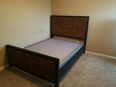 Ashley Queen Bed (Box)